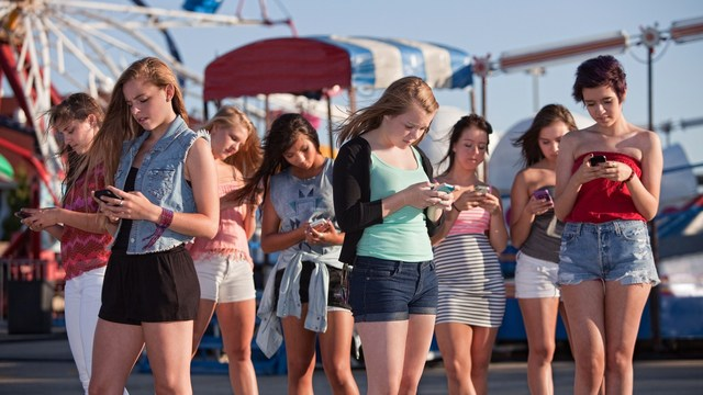 How to Deal With Your Teenage Child's Favorite Mobile Apps