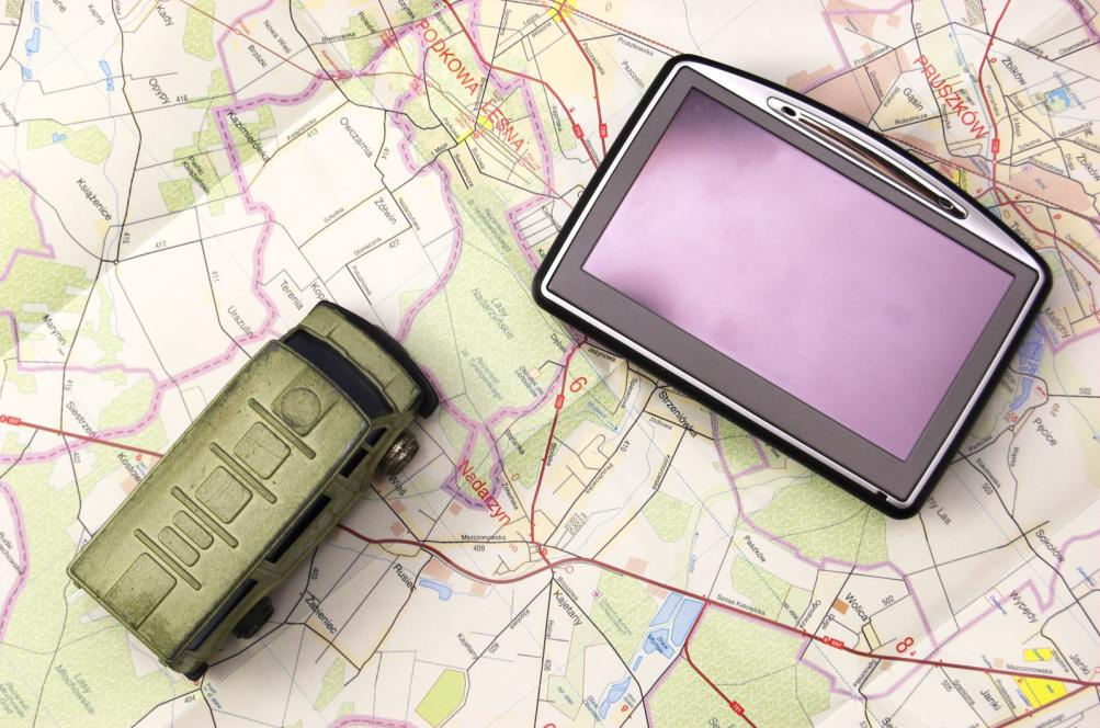 gps-and-car-on-map