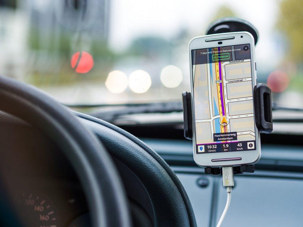 navigation-car-drive-road