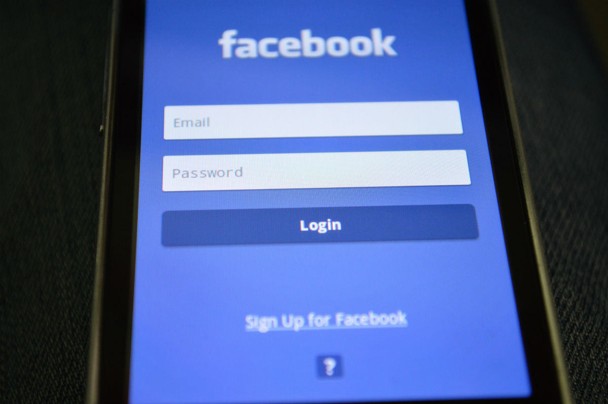 How To Use A Facebook Tracker App On Your Child's Phone